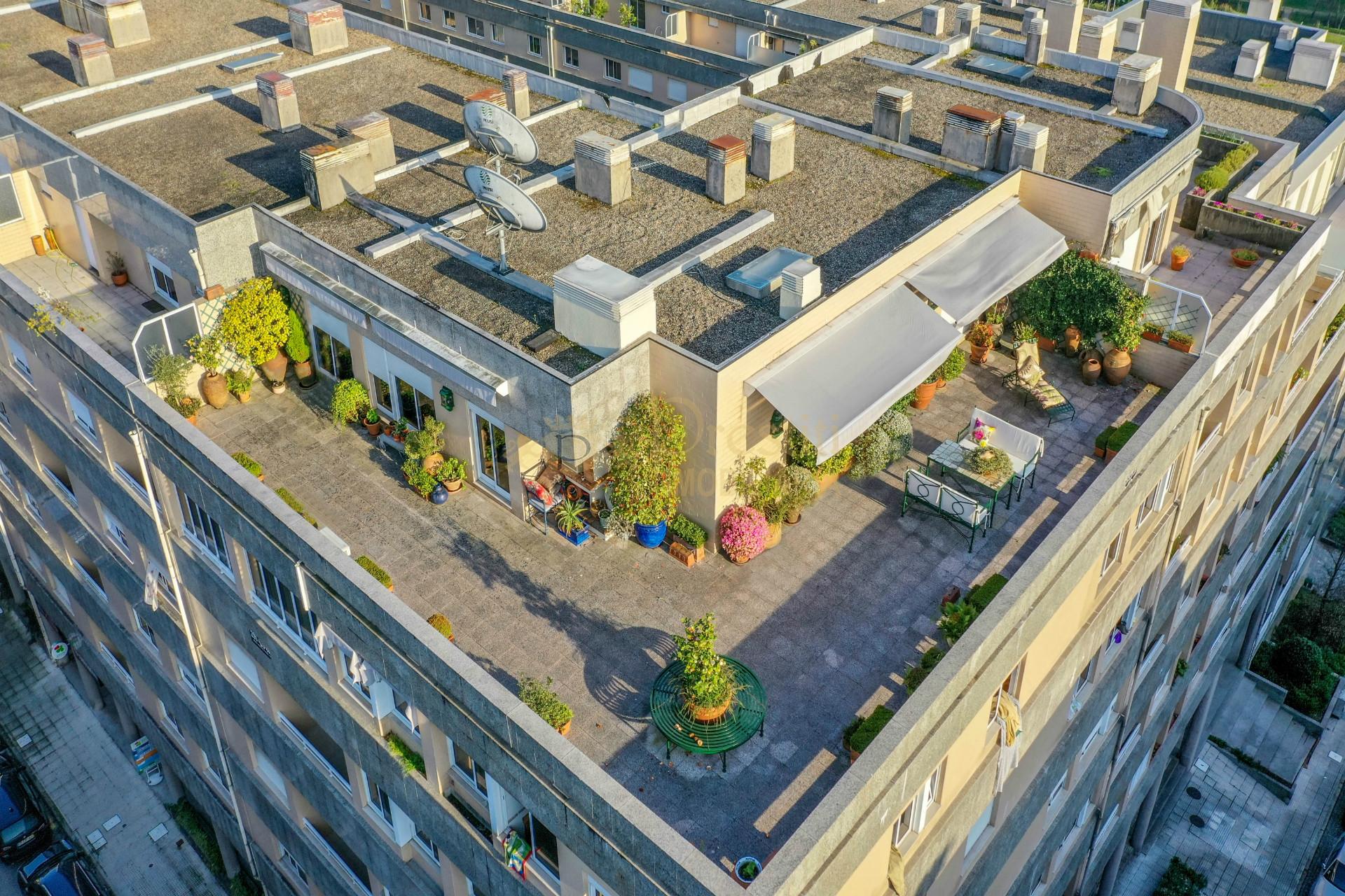 Apartamento T5 em zona privilegiada da Cidade